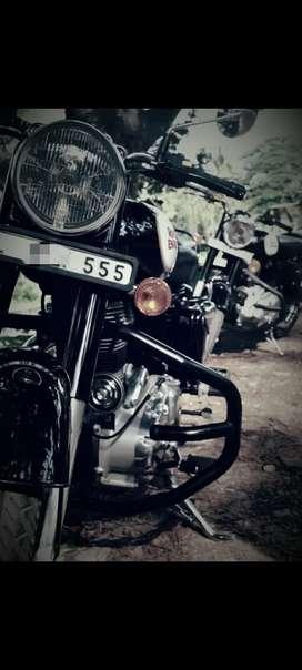 Classic 350 black