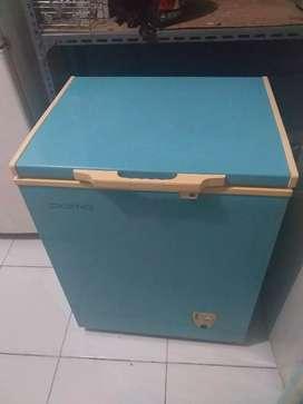 Freezer box merk Domo kap 150 liter oke