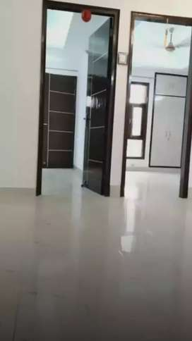 2BHK flat for reant grils and family
