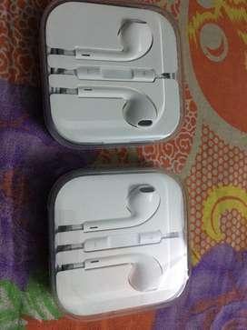 Apple In-Ear Wired Earphones with Mic