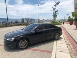 Mobil sedan Audi A4
