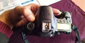 iam selling canon 60 D