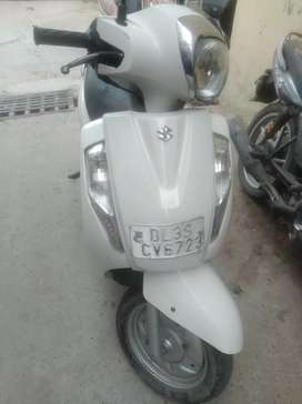 Good condition one hand drive all devices in RDB suzuki show room
