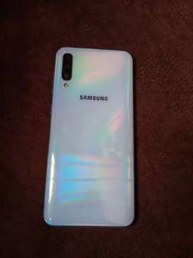 Samsung A50 (triple camera)(4,64)