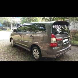 TOYOTA INNOVA LUXURY G 2013 KM LOW