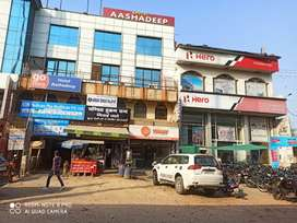 SHOP 600 FT FOR RENT ON M G ROAD