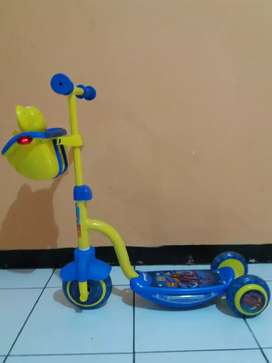 Otoped anak roda 3