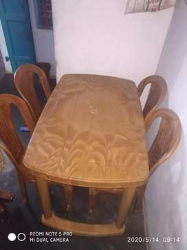 Heritage.. good brand plaatic dining table..