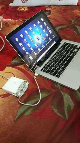 MacBook Air MDQ32HN/A 13-inch Display,1.p8GHz dual-core Intel