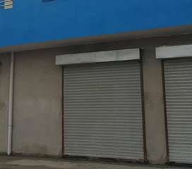 220 square feet shop for Rent.