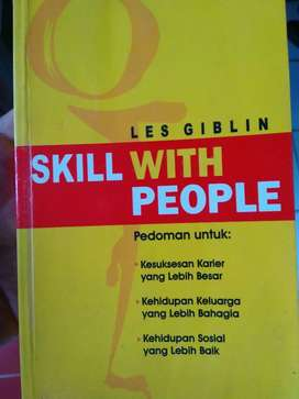 Buku motivasi Skill with People by Les Giblin