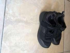 Sepatu skecher original