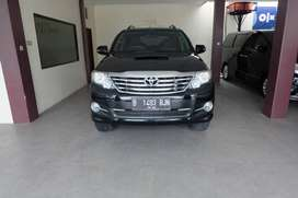 TOYOTA FORTUNER 2.4 G VNT AT 15 HITAM ISTMW TDP 45JT ISTMW JAMIN PUAS