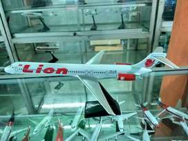 Miniatur pesawat lion air md82