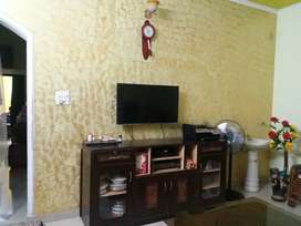 2 bhk floor, well maintained, ready to move in. Brokers excuse