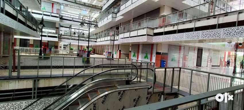 Commercial shop and Office Space for Sale in Gaur City Center