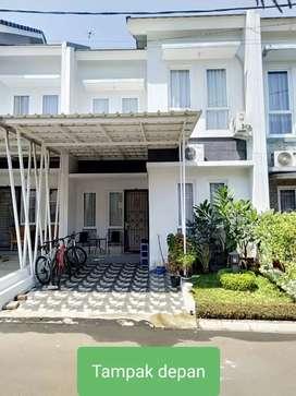 Rumah Cantik 2 Lantai  Terawat Seperti BaruAre Komplek   di Pamulang