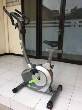 Sepeda Statis Magnetik Bike // Kamis Gym 15.32