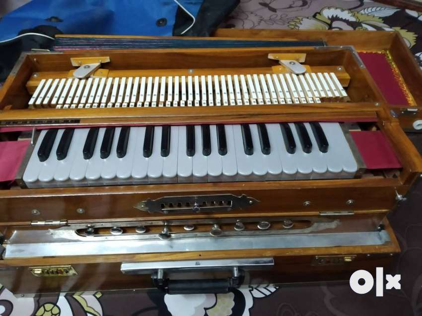 Scale Changer Harmonium 2yrs 6months old in good 0