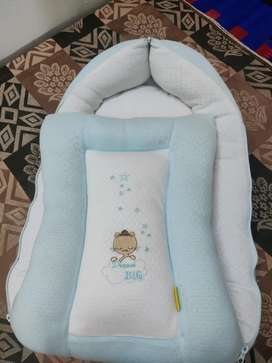 Baby carrying bed