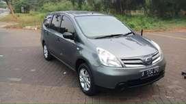 Nissan grand livina sv 2012 AT