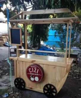 Booth Unik Untuk Jualan Makanan Bahan Kayu Jati Belanda di Surabaya