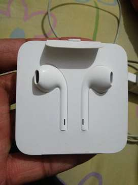 I phone X...original Hand free and charger