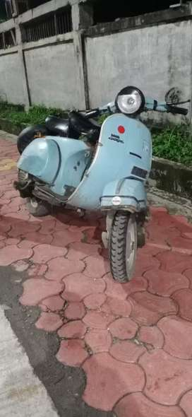 LML VESPA  old scooter top condition