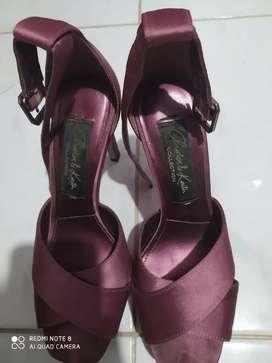 Sepatu wanita bekas jual murah Charles and Keith