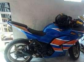 Kawasaki ninja 250 cc carbu ...tarikan ok ..mesin terawat