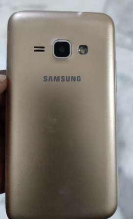 Samsung galaxy J1 (golden)
