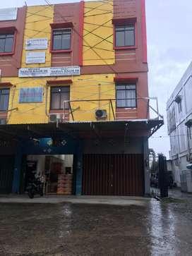 Over Kontrak Ruko 3lantai sisa 14 bulan di jalan reziden abdul rozak