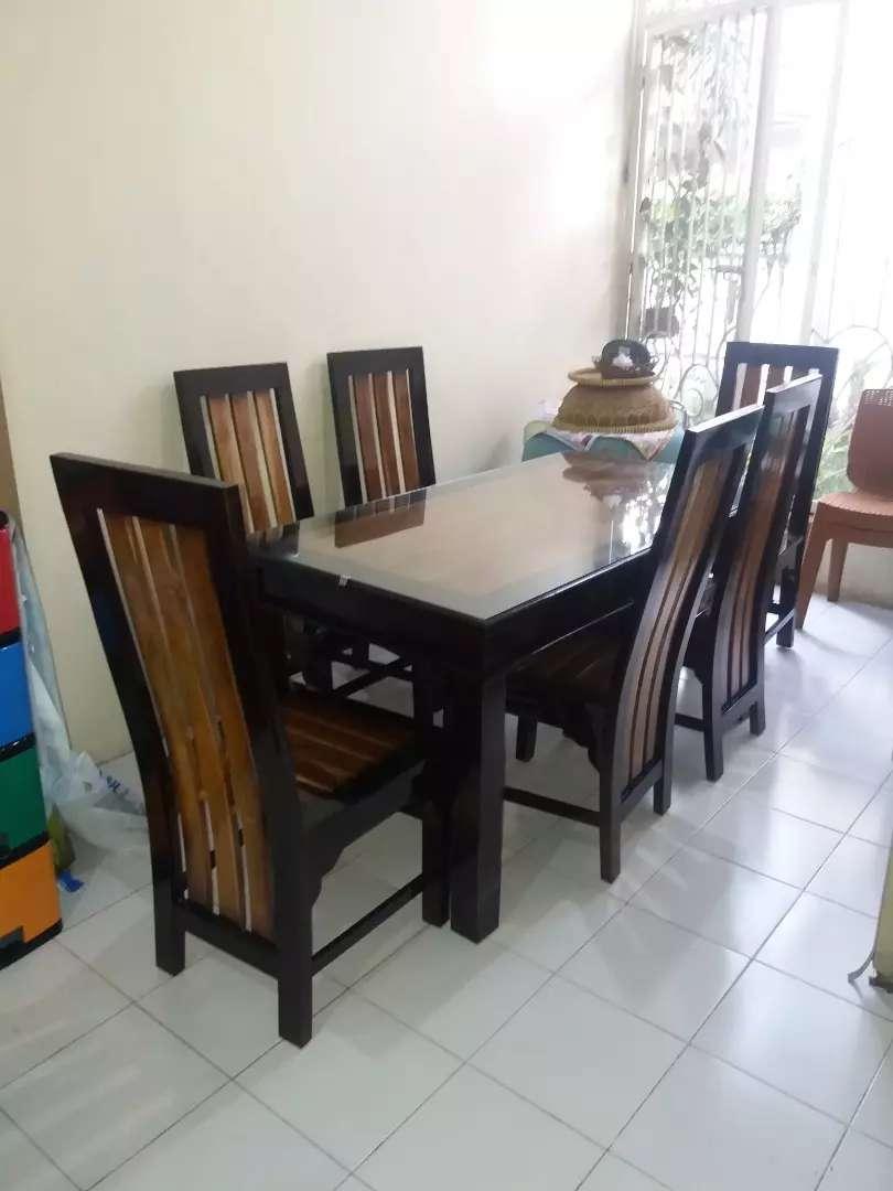 Meja makan kayu jati minimalis 0