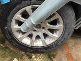 14Size Rim Available with Tyre .