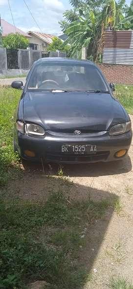 Dijual sebuah mobil hyundy accent tahun 2000 Rp25 jt