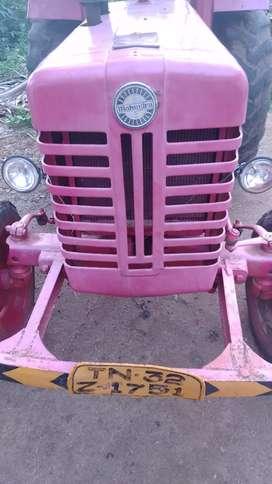 Tractor Mahindra 275