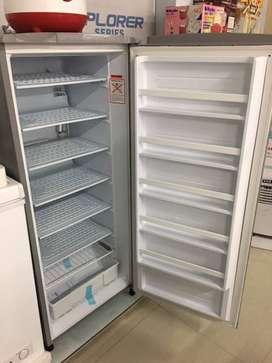 Freezer bentuk Kulkas Sanyo / Aqua Japan 6 RAK - Simpan ASI / Buat ES