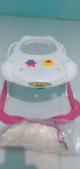 Baby Walker alat bantu jalan bayi merk FAMILY