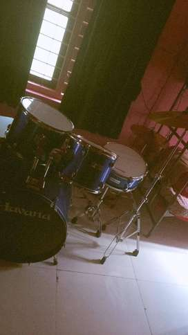 barely used drum kit