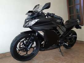 Kawasaki ninja 250 fi 2013 warna black edition