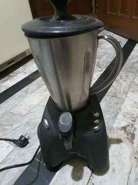Kenwood SB 300 blender/smoothie maker  Stainless Steel  Jug 700w