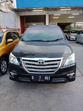 Toyota innova luxury 2014