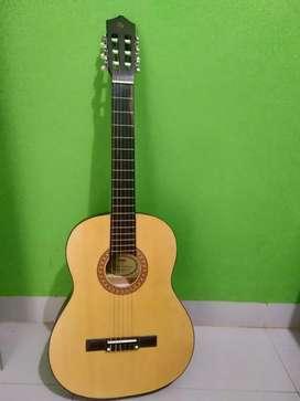 Gitar yamaha clasic baru pkek seminggu