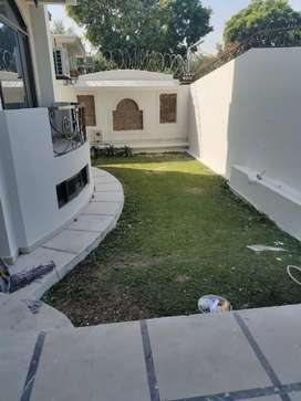 Primary location house for rent in f-8