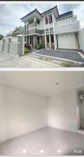 Rumah mewah di jalan kaliurang Km 8 jalan Damai Ngaglik UGM YKPN Yogya