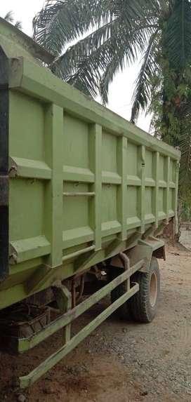 Bak dump truk hidrolik