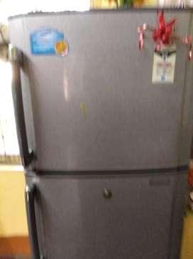 Samsung refrigerator 250 litre double door