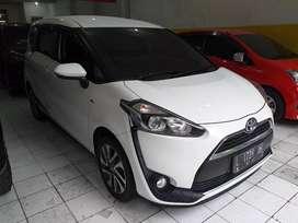 Toyota sienta v 1.5 matic 2018 putih