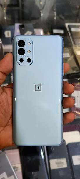 Oneplus 9R (8/128) 5G just 03 months old Brand new