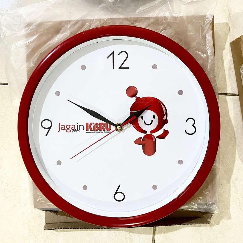 Jam dinding fungsi normal baru 0
